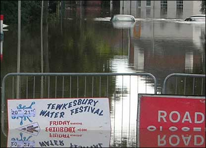 Tewkesbury_floods2_2