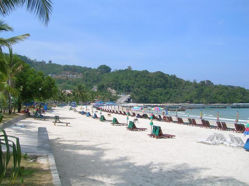 Patong_beach_thailand_1