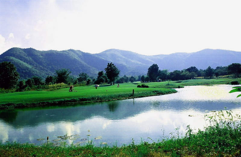 Kaeng_krachan_golf_hua_hin