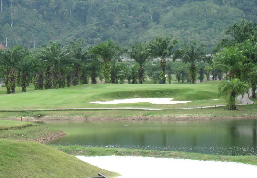 Loch Palm Golf Club.jpg
