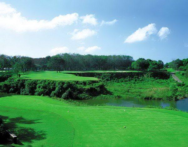 Blue_canyon_golf_13th_hole_1