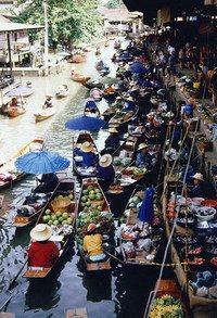 Floating_market_medium
