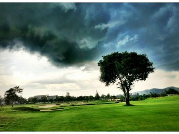 Thailand's rainy season – How does it affect our golf?