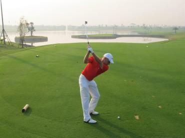 What makes Asia's 1st replica golf course unique?