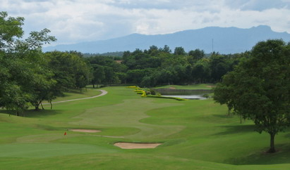 Santiburi_golf_club.jpg