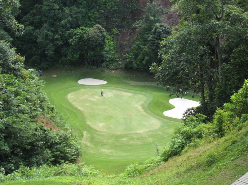 Red_mountain_golf_phuket