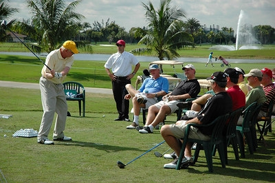 Golf_group_in_vietnam