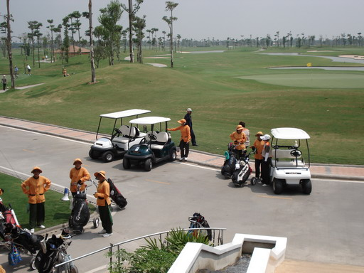 Golf_carts_in_thailand