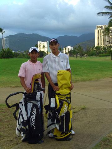 2_golfers_in_thailand