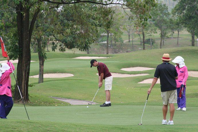 Golf in Thailand With Caddies